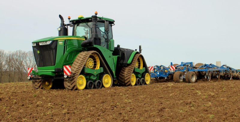 Bodenbearbeitung - Methauer AGRO-AG